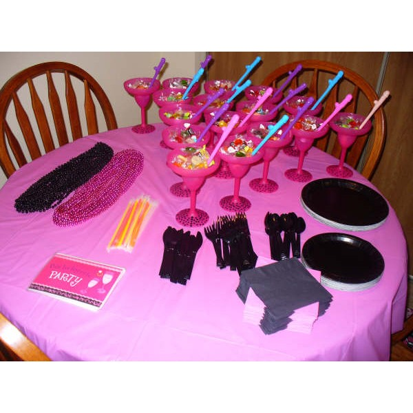 Bachelorette party ideas for your best friend for Bachelor party decoration ideas